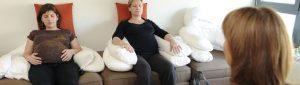 relaxation d'une personne enceinte au sein du service maternité